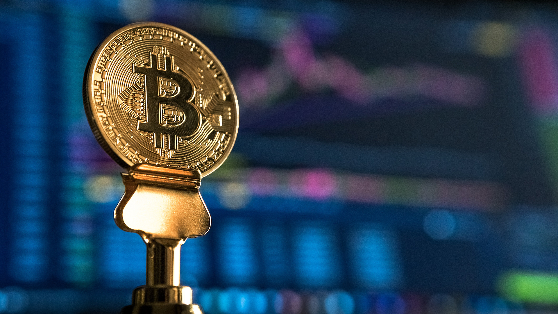 Bulls Buy the Dip Again After Bitcoin Price Rejects Key Resistance